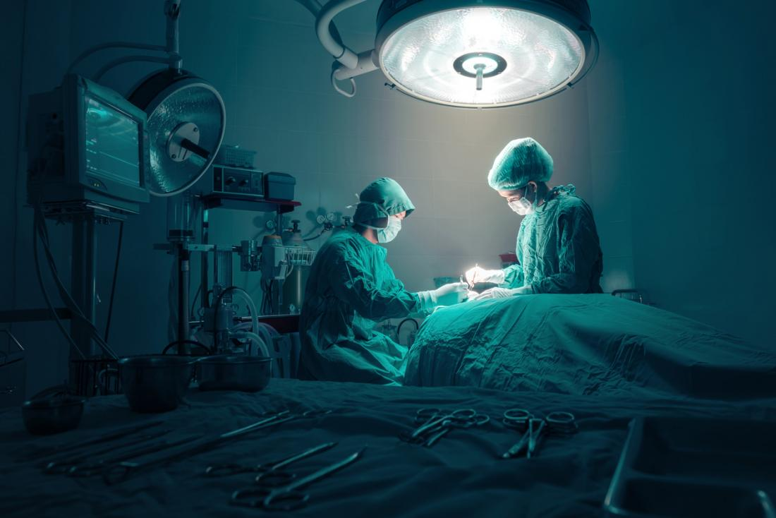 surgeons-at-work-in-surgery